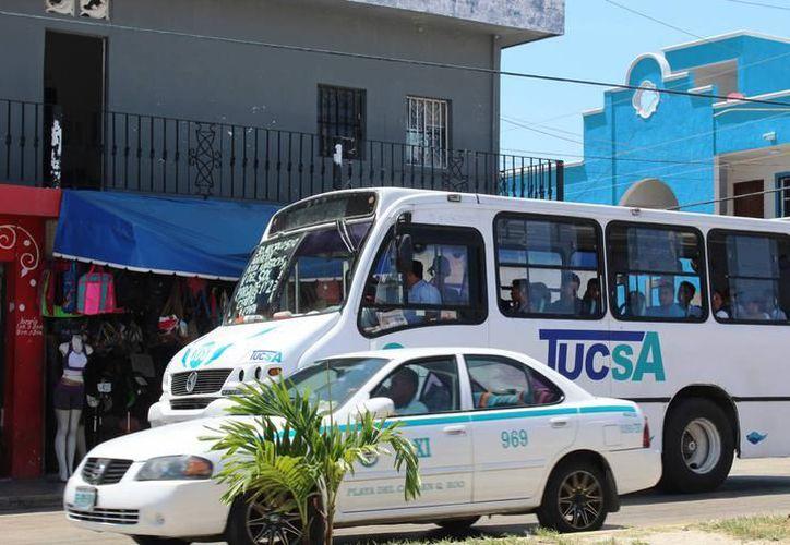 En la zona turística de Solidaridad circulan un promedio de 15 mil 180 vehículos por hora. (Foto: Contexto/SIPSE)