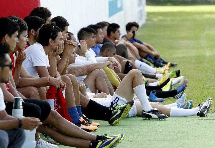 En total son 44 jugadores quien están siendo observados para obtener un lugar en el equipo de Cancún. (Francisco Gálvez/SIPSE)