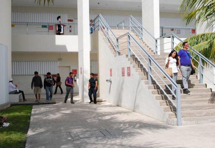 La convocatoria es para los alumnos y colaboradores de la institución; el cupo es limitado. (Archivo/SIPSE)