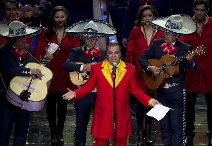 Alberto Aguilera Valadez, mejor conocido como Juan Gabriel, falleció este domingo a los 66 años. (Archivo/ AP)