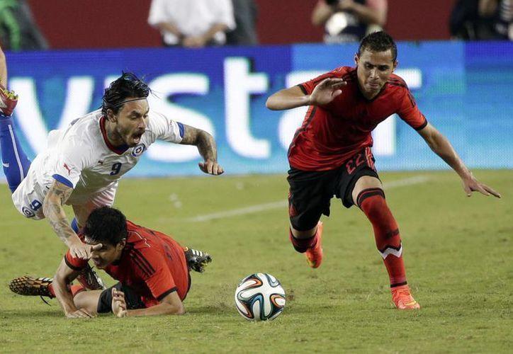 Guardado fue pieza clave en el ataque de la selección. (Foto: AP)