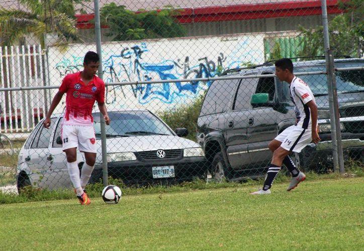 Mauri fue campeón en varias ocasiones en la liga Guillermo Cañedo, monarca de la Copa Coca Cola, entre otras. (Redacción/SIPSE)
