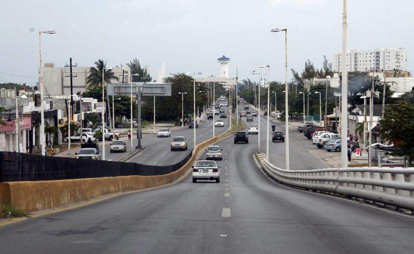 La avenida José López Portillo es una de las más transitadas y en 2014 fue repavimentada. (Tomás Álvarez/SIPSE)