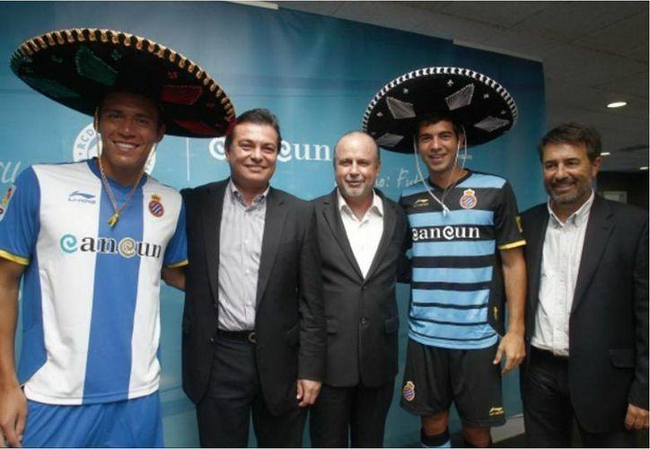 La administración gubernamental pasada dejó una deuda de $19 mil con el club Espanyol de Barcelona. (Cortesía)