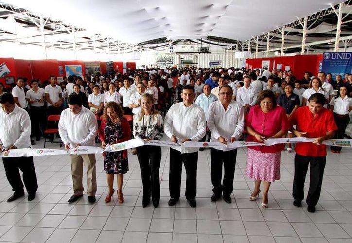 Inauguración de la feria dirigida a estudiantes cozumeleños. (Cortesía/SIPSE)