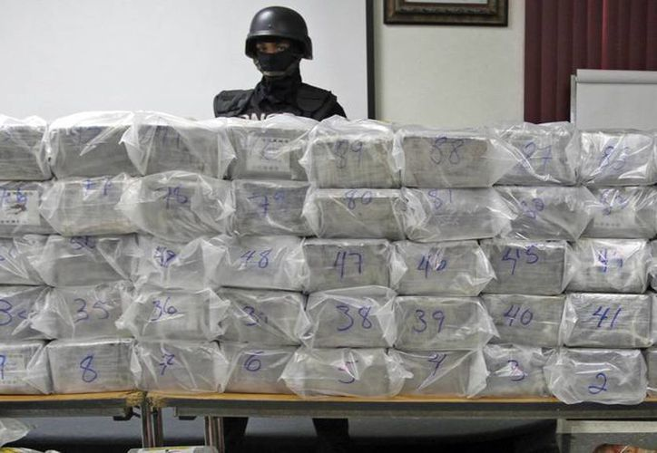 En la embarcación se encontraron varios paquetes de la droga que tenían como destino un país de Centroamérica. (Foto de contexto. Agencias)