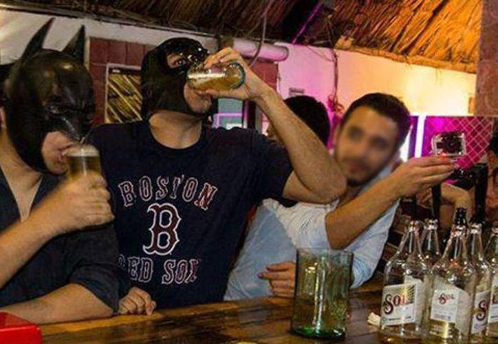 La investigación arrojó que el 75 % de los entrevistados limitan su consumo la mayoría de sus noches de fiesta. (Foto tomada de Facebook)