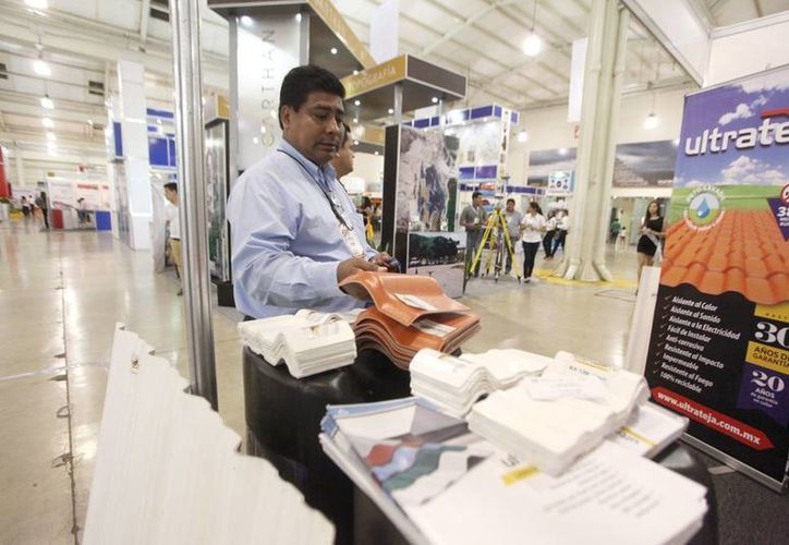 Ayer comenzó la Expo Construcción Yucatán en donde más de 100 empresas participan como expositores. (Milenio Novedades)