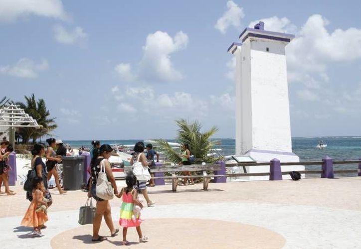 La localidad de Puerto Morelos cuenta con una población actual de 11 mil 864 personas. (Redacción/SIPSE)
