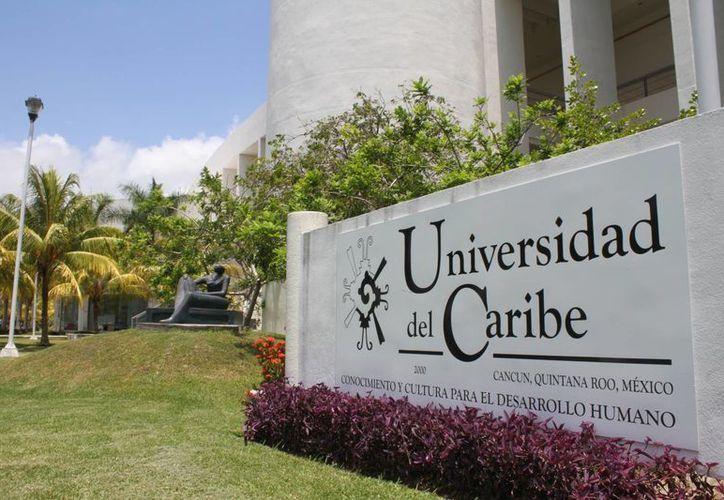 Fue presentado el décimo séptimo Congreso Nacional de la Amifram, en la Universidad del Caribe (UniCaribe). (Sergio Orozco/SIPSE)