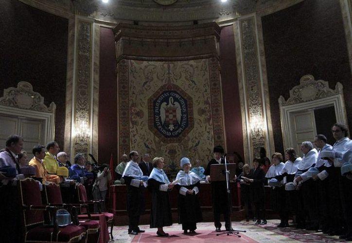 Panorámica de la ceremonia solemne en la que la escritora Elena Poniatowska recibió el doctorado Honoris Causa de la Universidad Complutense de Madrid. (NTX)