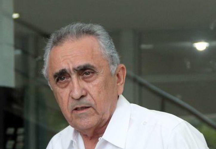 Imagen del director de la AAFY, Carlos Pasos Novelo, quien habló del pago de impuestos por medio de internet en Yucatán. (Milenio Novedades)