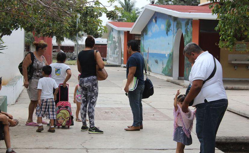 De acuerdo con la convocatoria, 30 son d educación primaria y tres para educación especial. (Joel Zamora/SIPSE)