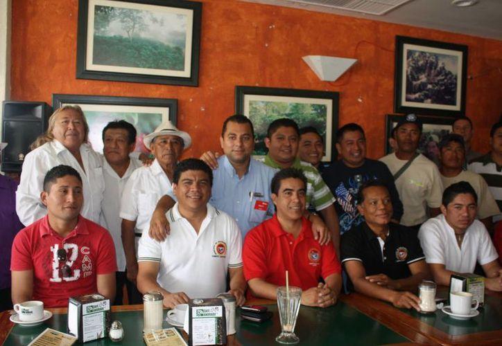 Afiliados de la CTM se reunieron para formalizar su apoyo a Mauricio Góngora. (Alida Martínez/SIPSE)