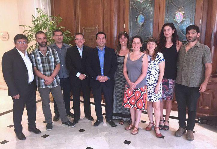 Este martes funcionarios yucatecos y chilenos dieron los primeros pasos para lograr una alianza cultural Valdivia-Santiago-Mérida. (Foto cortesía del Ayuntamiento de Mérida)