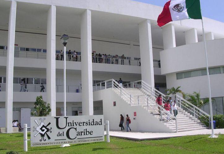 La carta menciona que en la casa de estudios se han formado dos grupos opuestos. (ucaribe.edu.mx)