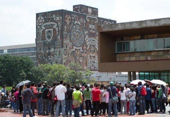 La UNAM ofreció 11 mil 600 lugares en educación escolarizada abierta y a distancia. (Foto de contexto/elarsenal.net)