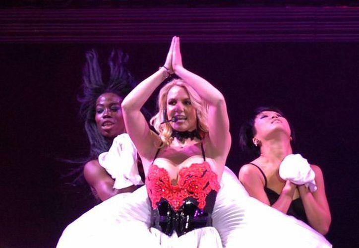 Britney Spears trabajará en su nuevo material con el apoyo de will.i.am. (EFE)