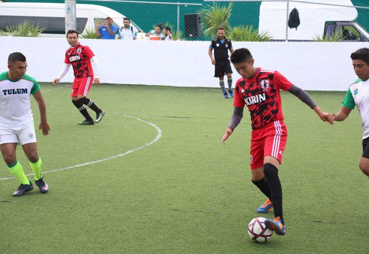 """Un encuentro de fútbol se realizó con éxito en la cancha de Fútbol rápido """"Dos Aguas"""".  (Cortesía)"""