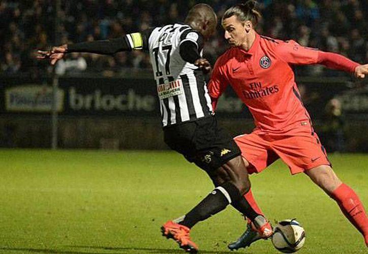 El equipo Angers, debutante en la Liga 1 de Francia, logró la proeza de empatar 0-0 en casa ante el 'Todopoderoso' PSG. (marca.com)