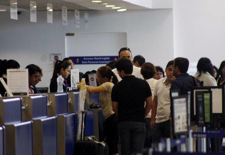 """En el Aeropuerto Internacional de Mérida """"Manuel Crescencio Rejón"""", debido a Semana Santa, s registran un 30% más de operaciones de que costumbre. (SIPSE)"""