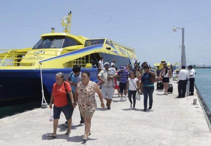 Al mes de julio de este año se tiene un acumulado de un millón 43 mil 972 pasajeros movilizados a Isla Mujeres. (Redacción/SIPSE)