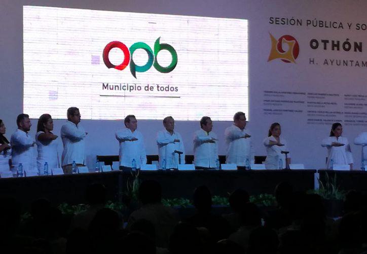 El primer Cabildo que rindió protesta fue el de Othón P. Blanco. (Redacción/SIPSE)