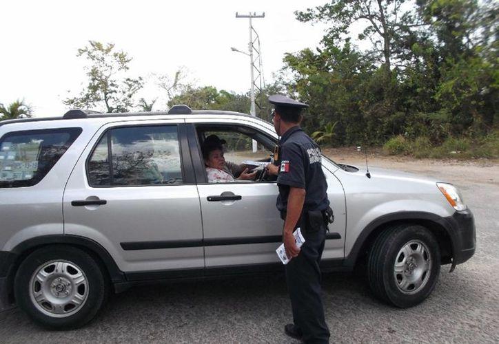 Auxiliarán a los visitantes en las carreteras con servicios de mecánica. (Javier Ortiz/SIPSE )