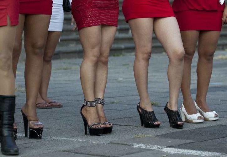 Años de lucha han rendido frutos para quienes ejercen la prostitución en el Distrito Federal, ahora se protegen de las redadas con amparos. (Imagen de contexto: animalpolitico.com)