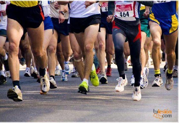 Se espera que participen 2 mil competidores en el Maratón de la Riviera Maya 2014.  (Foto de contexto/Internet)