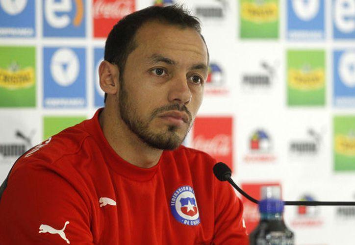 El jugador chileno de 30 años llegó a la capital para ponerse bajo la disciplina auriazul. (Internet/Contexto)