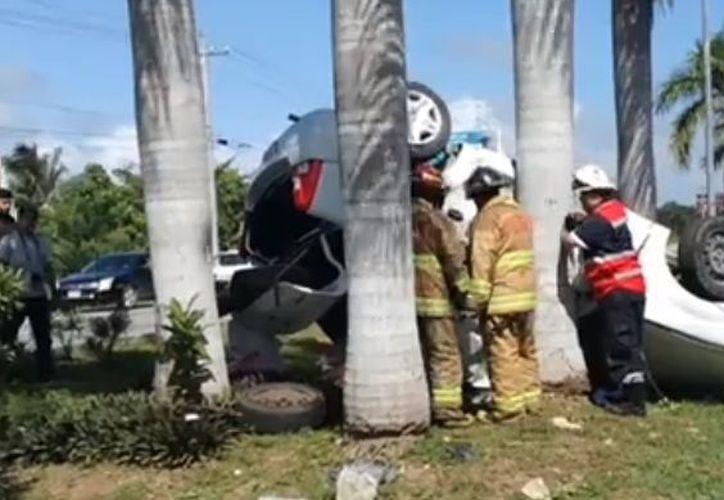 Accidente vial deja un muerto en carretera Playa del Carmen - Puerto Morelos. (Redacción/SIPSE)