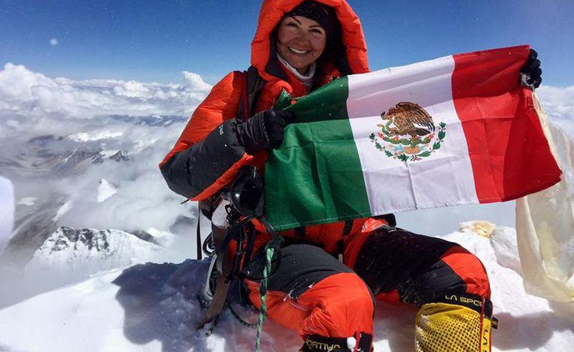 Viridiana formó parte de una expedición de siete alpinistas de diversas partes del mundo, la cual duró más de un mes. (Facebook/Viridiana Álvarez)