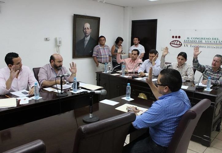 Diputados aprueban dictamen de las reformas a la Constitución Política del Estado en Materia Electoral. (SIPSE)