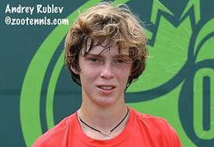 El ruso Andrey Rublev, el mejor tenista juvenil del mundo, jugará en noviembre próximo dentro de la Copa Mundial Yucatán. (Milenio Novedades)