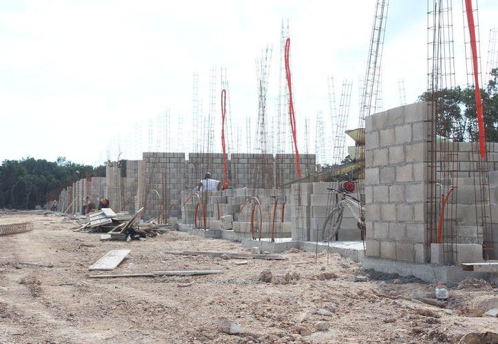 Los precios de los materiales pétreos y de construcción con que se construye vivienda en el sur son más elevados (Foto: Daniel Tejeda)