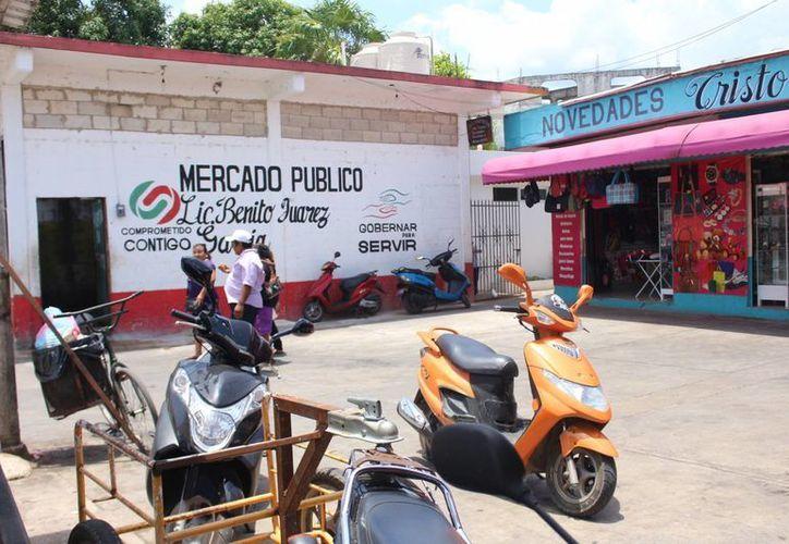 Las familias obtuvieron las concesiones para trabajar los locales durante la administración de Sebastián Uc Yam. (Benjamín Pat/SIPSE)