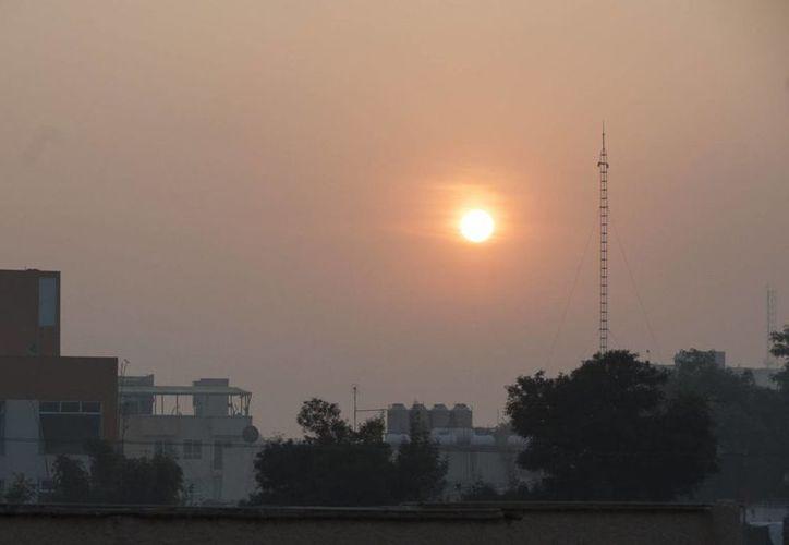 Las cinco zonas que integran el Valle de México amanecieron con mala calidad del aire. (Notimex)