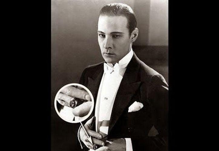 """El actor Rodolfo Valentino, quien en la foto luce el """"anillo maldito"""" que le causó la muerte. (Jorge Moreno)"""