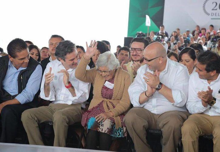 El secretario de Educación Pública, Aurelio Nuño Mayer, durante su visita a Michoacán. (Foto: @aurelionuno)