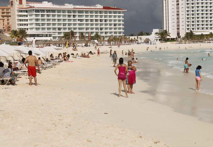 El mercado doméstico consume principalmente destinos como Cancún, RivIera Maya y después Vallarta, Acapulco y Los Cabos. (Jesús Tijerina/SIPSE)