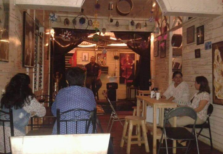 Tres artistas que colaboran en la Cafebrería han sido víctimas de violencia, en Chetumal. (Alejandra Carrión/SIPSE)