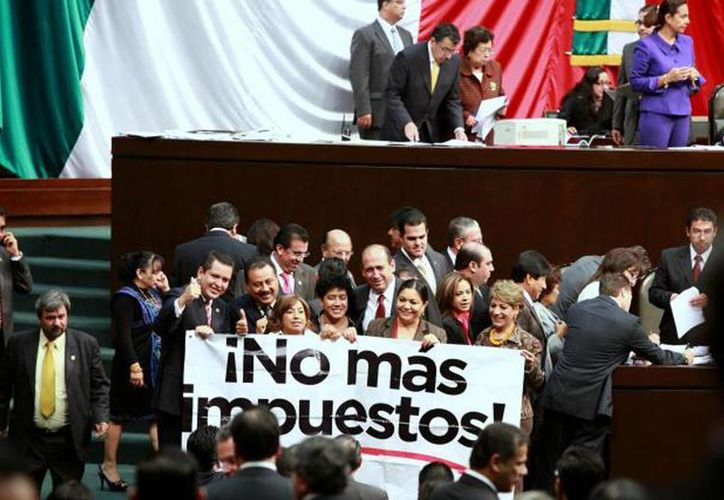 Integrantes del CEM piden a senadores y diputados no votar a favor de la iniciativa de reforma hacendaria. (Archivo Agencias)