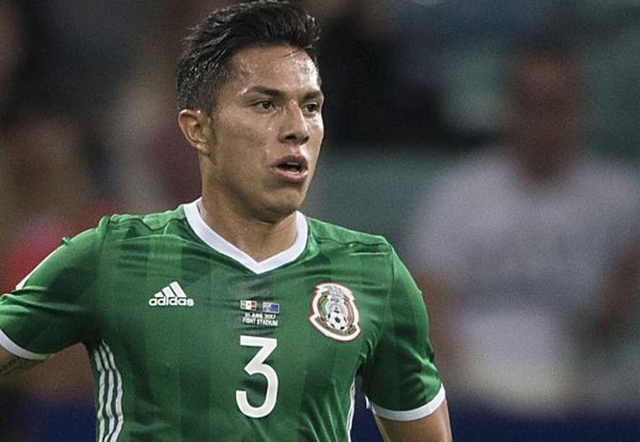 Carlos Salcedo va por buen camino en su recuperación de la clavícula izquierda. (Contexto/Internet).