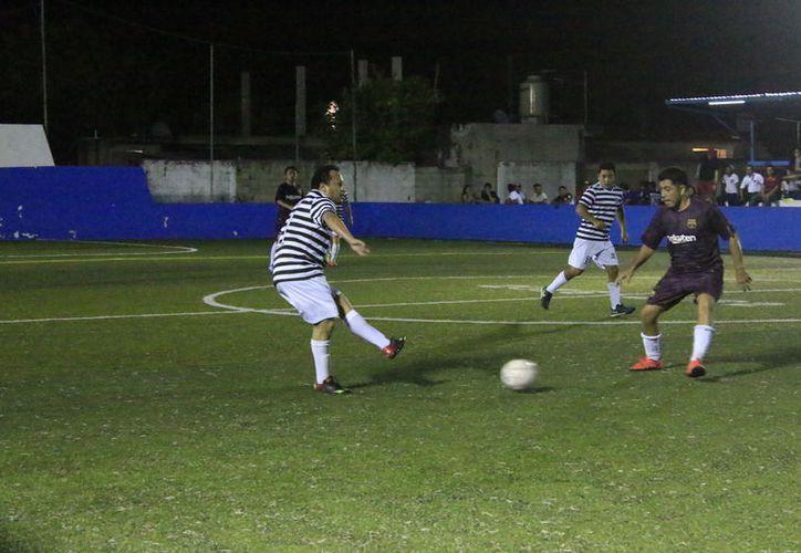 Los de la máxima casa de estudios nunca pudieron recuperarse del mal momento que atravesaron en el partido. (Miguel Maldonado/SIPSE)