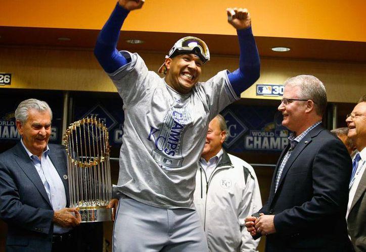Salvador Pérez, catcher de Kansas City Royals, fue nombrado el Jugador Más Valioso de la Serie Mundial de Beisbol. (AP)