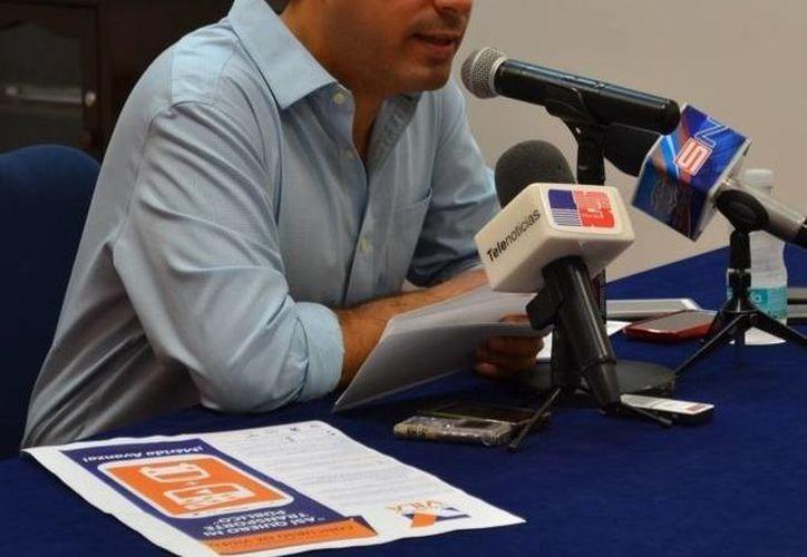 El diputado Mauricio Vila Dosal en conferencia de prensa en la que anunció el concurso 'Así quiero mi transporte público'. (SIPSE)