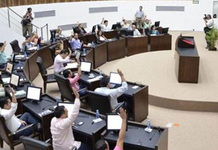 El Congreso del Estado de Yucatán autorizó al Ejecutivo crear un fondo de infraestructura educativa, cuyo monto compromete hasta por 25 años al Ejecutivo.