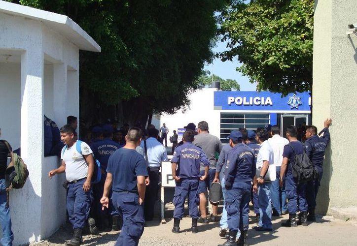 Al menos 15 de los agentes cesados fueron puestos a disposición del Ministerio Público. (prensalibredechiapas.blogspot.com/Foto de contexto)