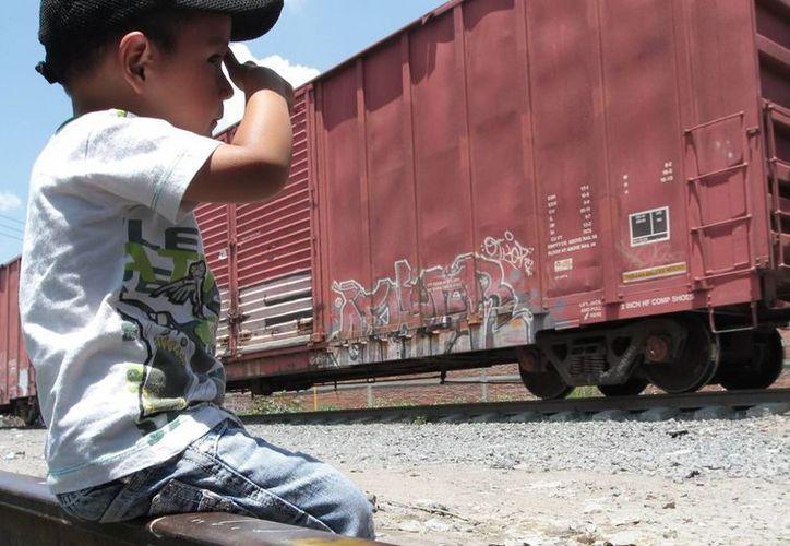 Muchos niños, especialmente centroamericanos, intentan escapar de la violencia y pobreza que impera en sus países. (Archivo/AP)